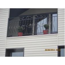 Балкон с растительными коваными деталями - модель №12