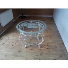 Стол из стали и стекла (цвет: белый)