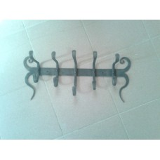 Вешалка настенная малая с 5 крючками, украшенная завитка - модель №2