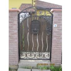 Кованая калитка из стали с декоративными вставками, мод.№18