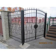 Кованые ворота из стали сдержанно-консервативного дизайна, мод.№18