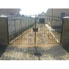 Кованые ворота из стали черного цвета - модель №23