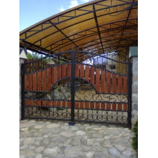 Кованые ворота из стали с деревянными вставками - модель №5